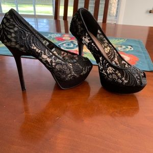 Black and cream lace heels